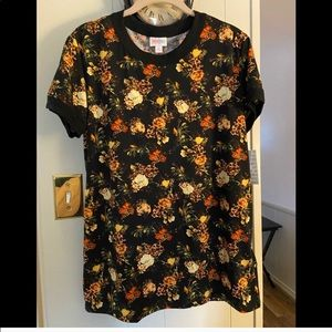 NWT Lularoe Liv Top. Med. Beautiful tones of Roses